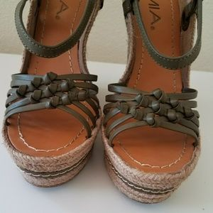 Mia wedges shoes Olive green